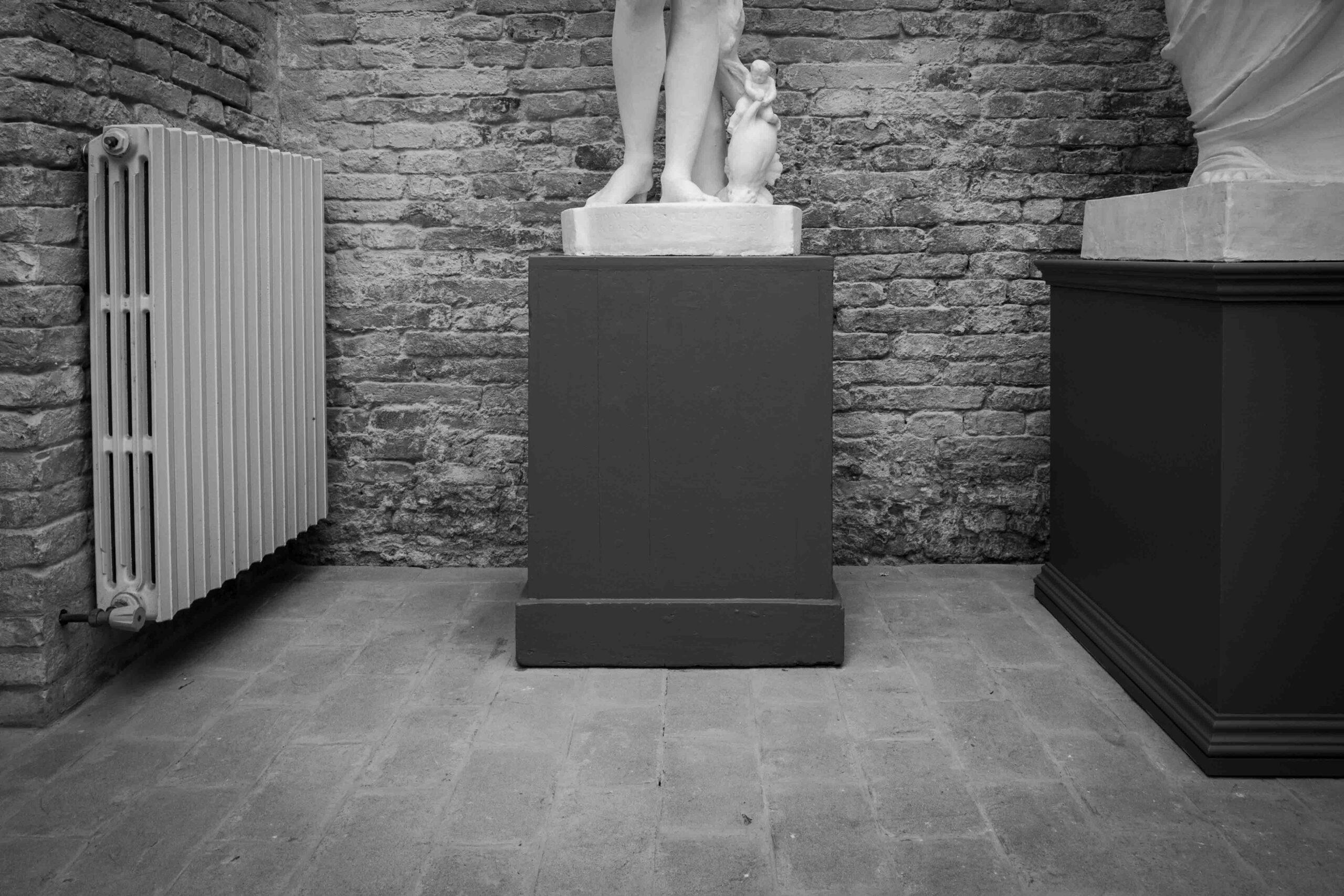 Piedistallo statua
